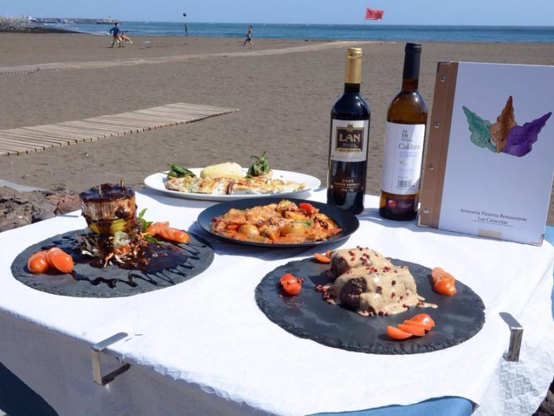 restaurante-en-la-playa-lascaracolas-telde